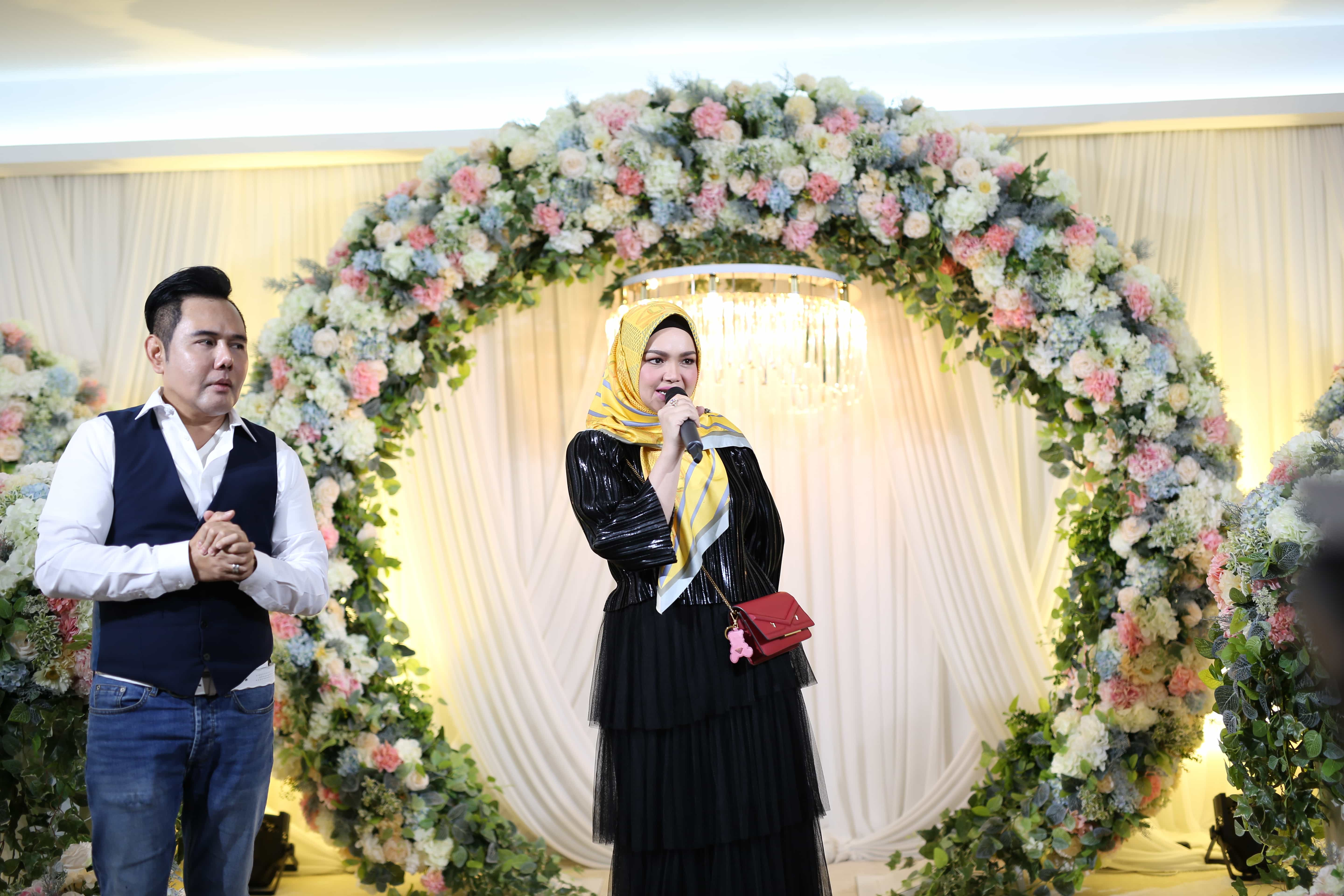 Siti Nurhaliza Visit at the iris city plaza